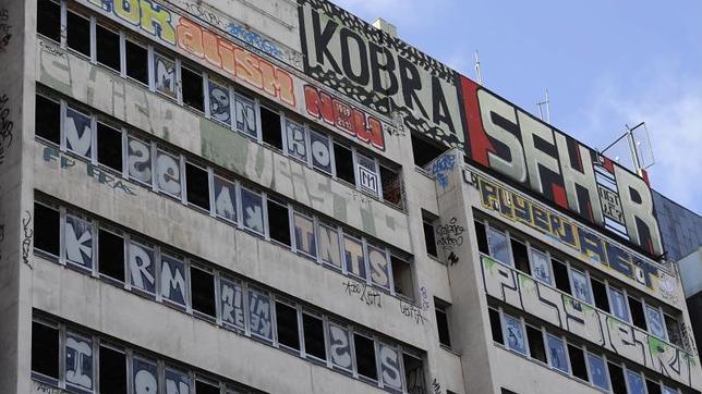 Edificios abandonados en Plaza de España