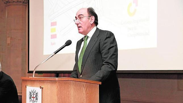 Galán denuncia en Londres el «monstruo» creado en España «con las energías renovables»