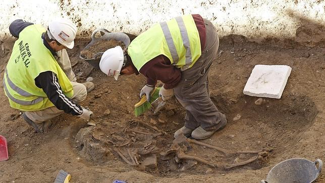 Los restos arqueológicos obligan a replantear las obras del Temple