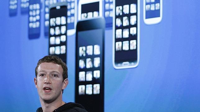 Un directivo de Microsoft critica el lanzamiento tardío de Facebook Home
