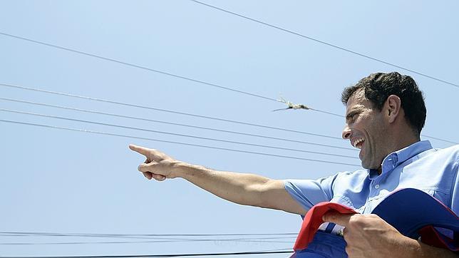 Capriles aventaja en 5 puntos a Nicolás Maduro, según una encuestadora argentina