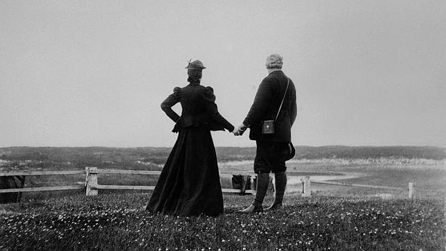 La curiosa historia de amor de Alexander Graham Bell
