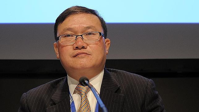 He Shiyou, vicpresidente de ZTE, durante una intervención