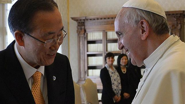 Ban Ki-moon, en su encuentro con el Papa: «Usted es el líder espiritual del mundo»