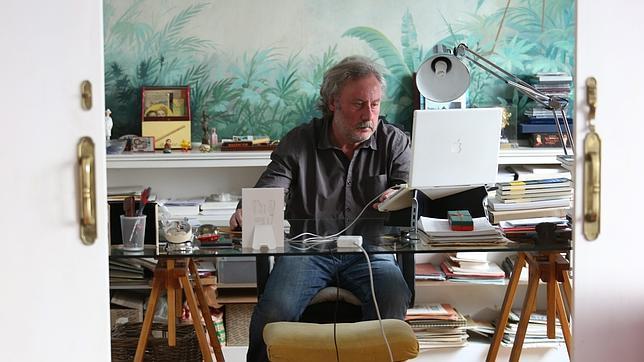 Julio Llamazares: «La literatura tiene que dar calambre»