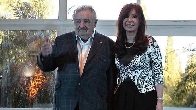 Mujica pide disculpas públicamente a los Kirchner por sus comentarios