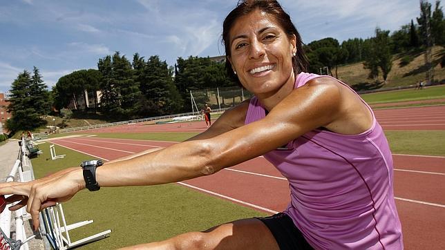 Aguilar, siempre sonriente, está convencida de que el récord está en sus piernas