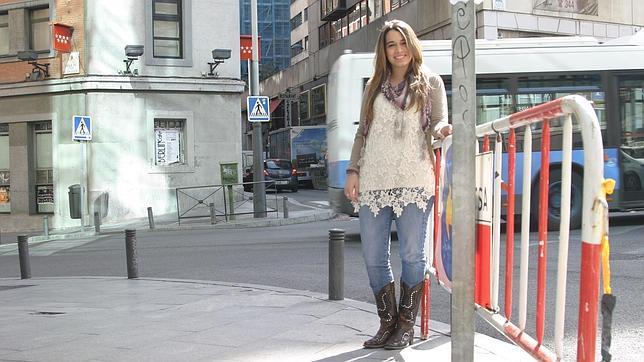 Paula Rojo con las botas con las que se presentó en «La Voz»