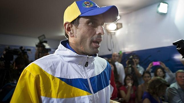 La Fiscalía venezolana procesa la imputación para detener a Capriles