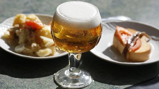 ¿Por qué la cerveza nos hace tan felices? La respuesta científica
