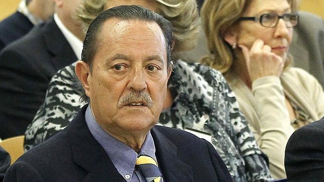 ¿Por qué llaman «Cachuli» a Julián Muñoz?