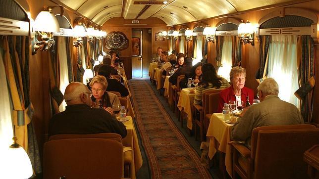Cena en el Transcantábrico
