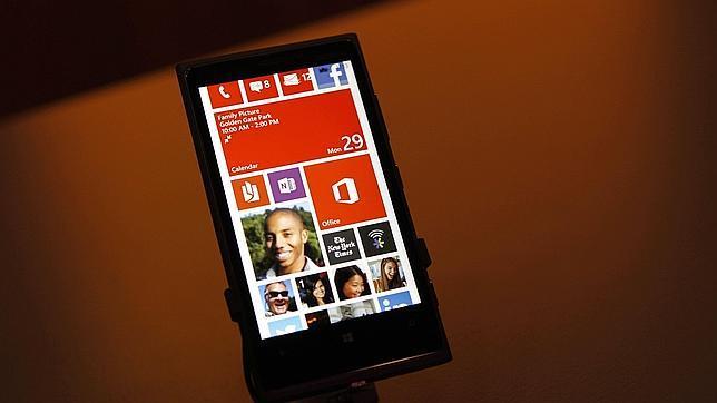Nokia impide a HTC la utilización de los micrófonos de gran amplitud en el One