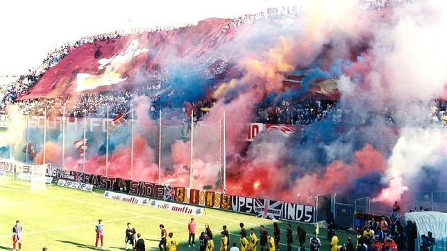 Pese a jugar en la Serie C, la afición de la Salernitana nunca falla a sus jugadores