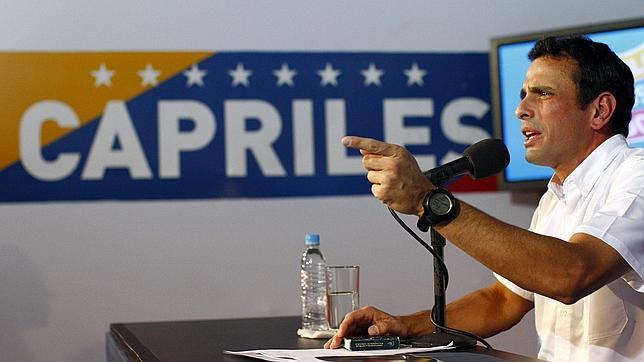 Capriles acusa el Gobierno de «robar» las elecciones y adelanta «nuevas acciones»