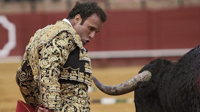 Antonio Ferrera, herido mientras mataba un toro a puerta cerrada