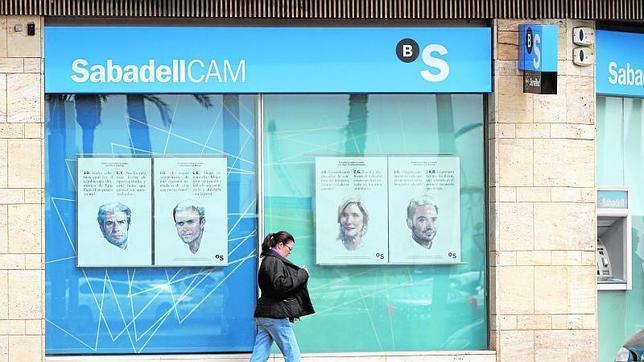 El banco sabadell gan 51 1 millones hasta marzo un 36 for Oficina sabadell sevilla