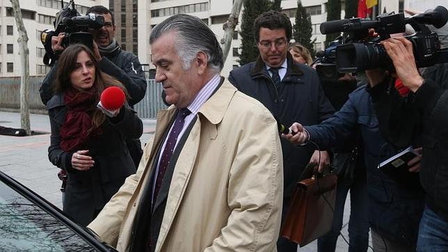 La Policía dice que Bárcenas es el autor de los papeles que se le atribuyen
