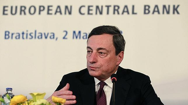 El BCE ha bajado al 0,5% los tipos de interés para «recuperar la economía a final de año»