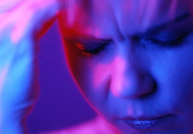 Un adelanto en el reloj circadiano se asocia a las migrañas con aura