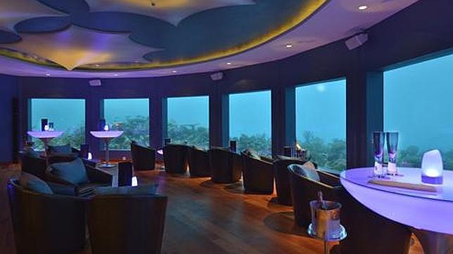 Inauguran la primera discoteca submarina del mundo for Hoteles mas lujosos del mundo bajo el mar