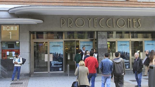 La calle de Fuencarral dice adiós a sus cines