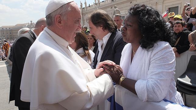 El Papa Francisco y la líder de las Damas de Blanco.