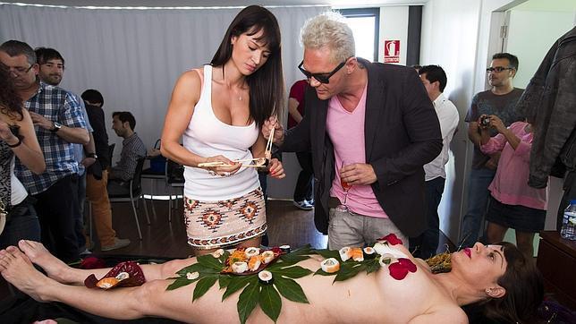 Valencia, «parque temático del sexo» entre raciones de «body sushi»