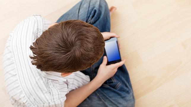 Ya hay muchos niños de nueve años con móvil