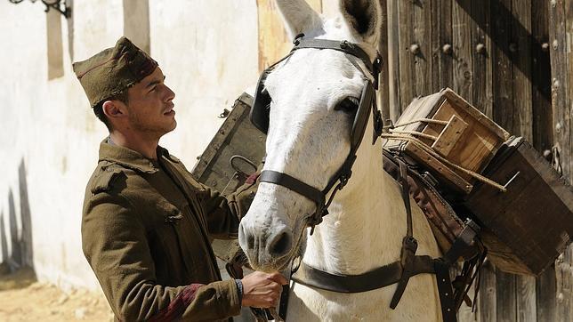 «La mula»: historia y entresijos de la película 'maldita' del cine español