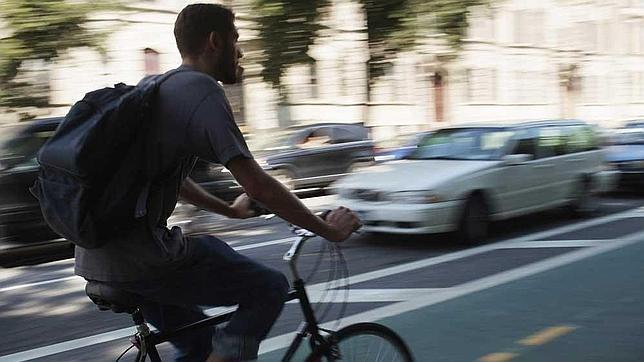 El Congreso insta al Gobierno a regular el uso de la bicicleta