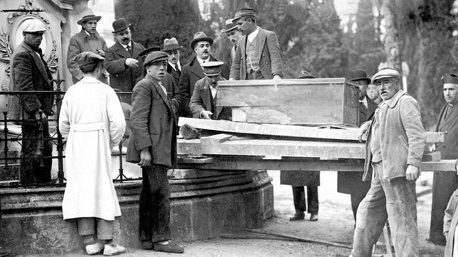 Traslado de los restos de Goya del panteón del Cementerio de San Isidro a San Antonio de la Florida, en 1919