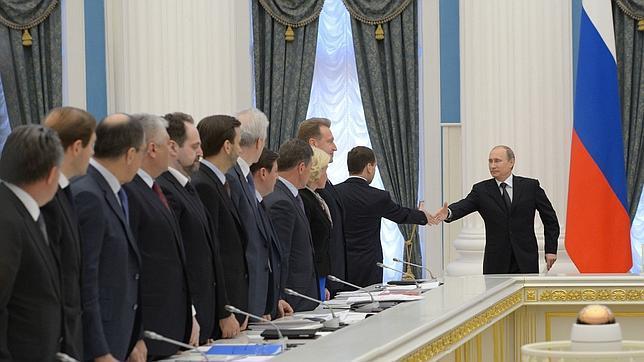 El monolítico régimen de Putin comienza a resquebrajarse