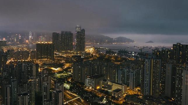 Los 1.200 rascacielos de Hong Kong en cuatro minutos de vértigo