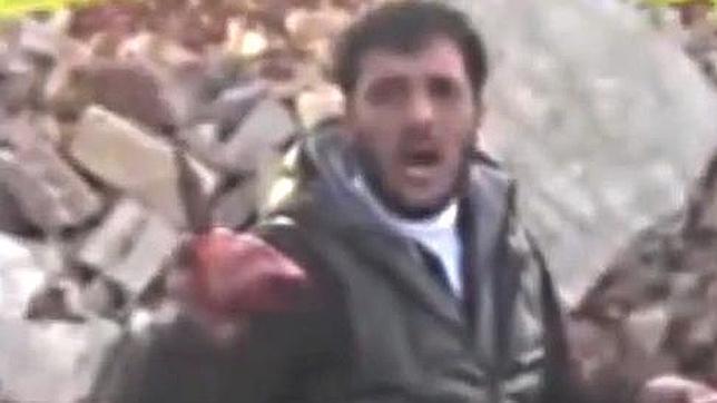 El rebelde sirio que ha devorado las vísceras de un enemigo pide más sangre