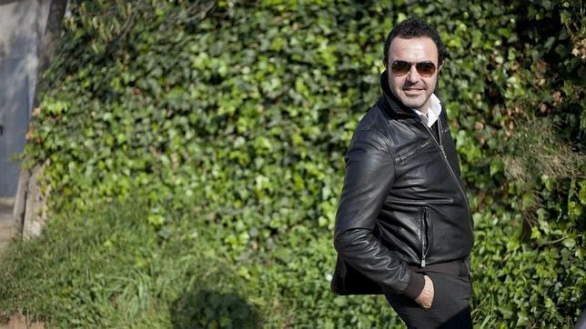 Simón Orfila: «Sólo soy un obrero de la ópera que espera mantenerse»