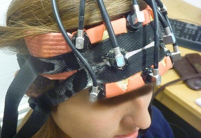 Descargas eléctricas en el cerebro para mejorar en matemáticas