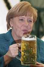 La juventud filocomunista de la canciller alemana Angela Merkel