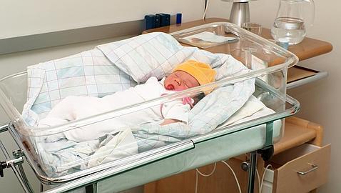 Lo que debes hacer, y lo que no, cuando vas a visitar a un recién nacido al hospital