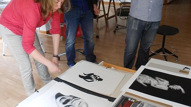 Natasha Lebedeva muestra sus trabajos en su estudio