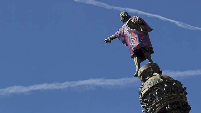 Colón se viste con la camiseta del FC Barcelona