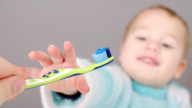 Así tiene que ser el cepillado de dientes de tu hijo