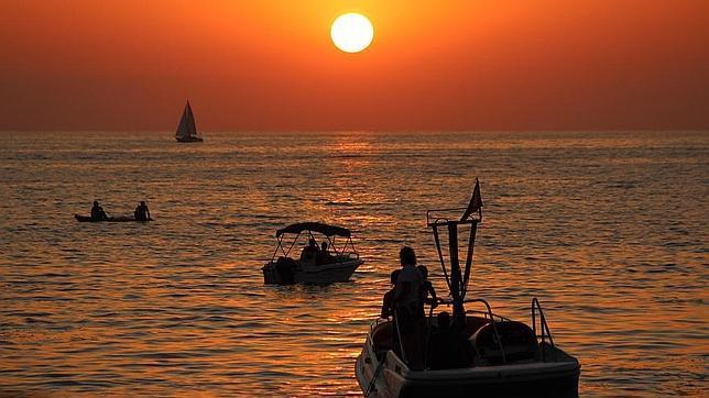 Vista de la puesta del sol desde el Café del Mar de Ibiza