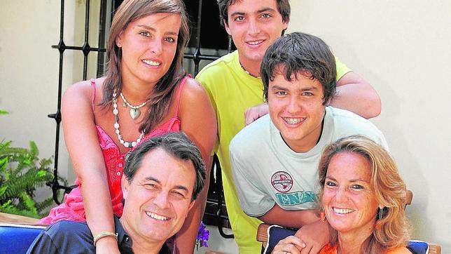 El yerno de Artur Mas celebra su boda con una fiesta taurina