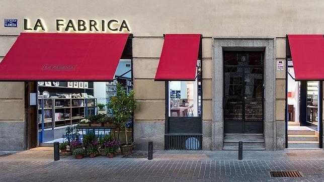 Nobuyoshi araki invita a vino o caf en la nueva la f brica for Fabrica de cocinas madrid