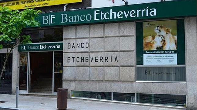 banco etcheverr a adquirir 57 oficinas a ncg banco y