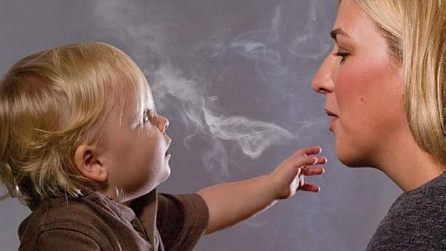 Más de 700.000 niños en España están expuestos diariamente al humo de tabaco en sus casas