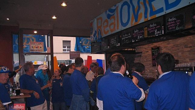 Inglaterra apoya al Real Oviedo desde Torrevieja