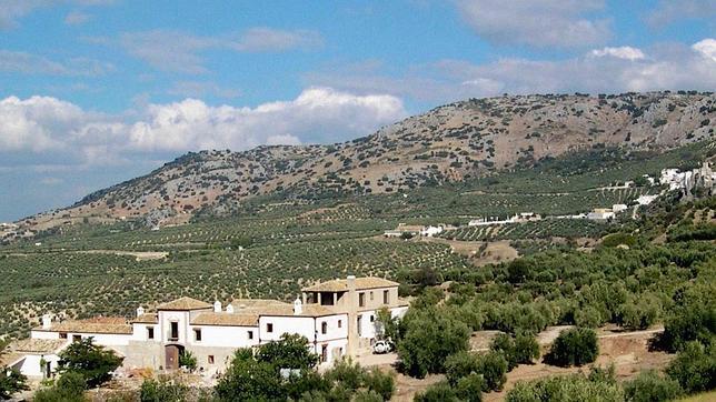 Los mejores cortijos para dormir en andaluc a for Hacienda los azulejos