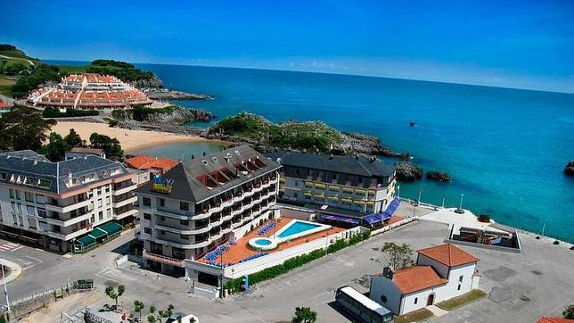 Diez hoteles en primera l nea de playa por menos de 60 euros for Hoteles en burgos con piscina